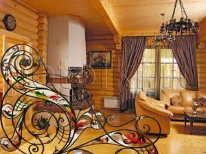 Дизайн витражей в деревянном доме