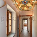 Потолок Тиффани в коридоре